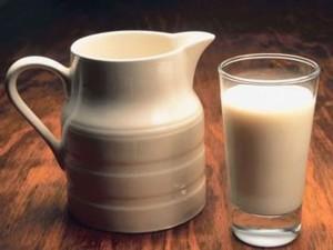 Russian dairy ryazhenka