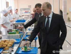 Vladimir Putin: National cuisine enterprises can compete with McDonald's