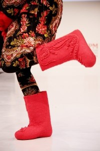 Russian valenki boots red style